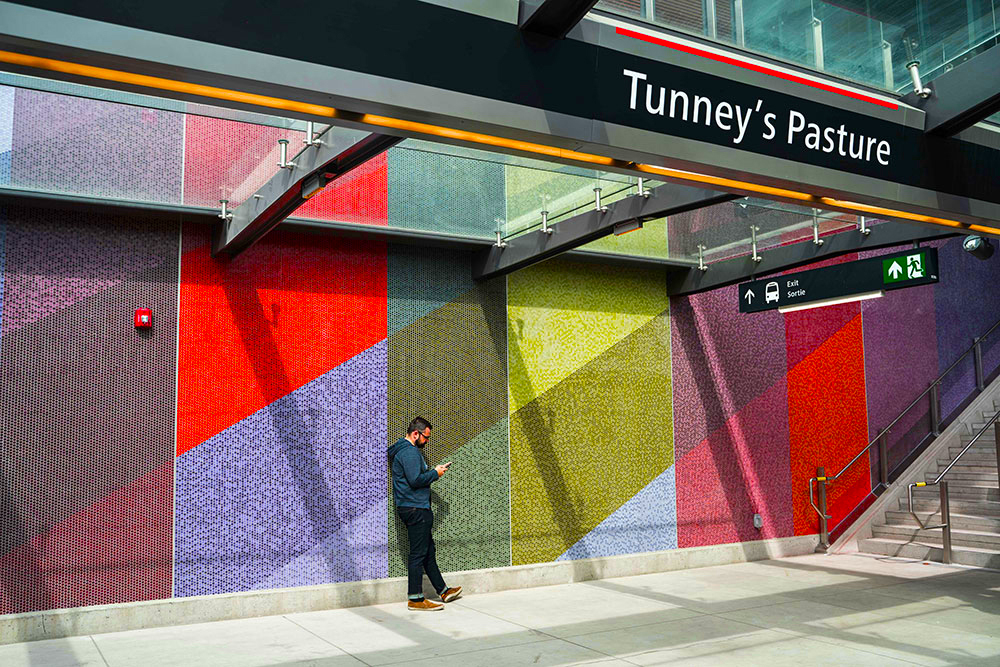 Tunney's Pasture Station – Ottawa 2019